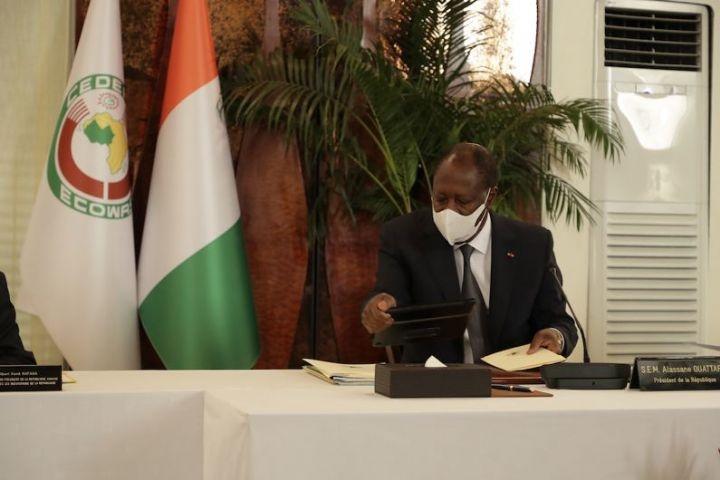 Côte d'Ivoire : le Président Ouattara conseille la poursuite du dialogue politique pour la mémoire de son ''fils'' Hamed Bakayoko