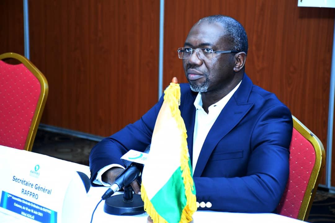 L'Ivoirien Ange Léonid Barry-Battesti élu avec brioau Secrétariat duRéseau Africain des Institutions et Fonds de Formation professionnelle (RAFPRO)