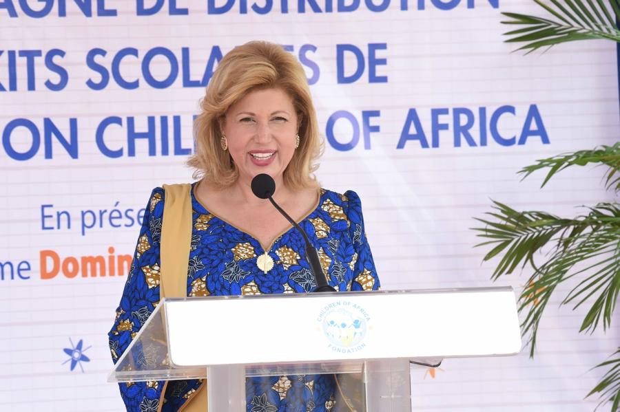 Côte d'Ivoire / Lancement officiel de la distribution de kits scolaires par Children of Africa à Adiaké : Mme Dominique Ouattara: « L'éducation est un droit fondamental pour chaque enfant »